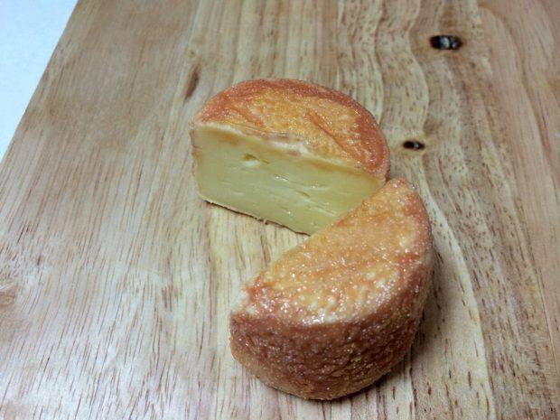 カットしたトゥルー・デュ・クリュチーズ